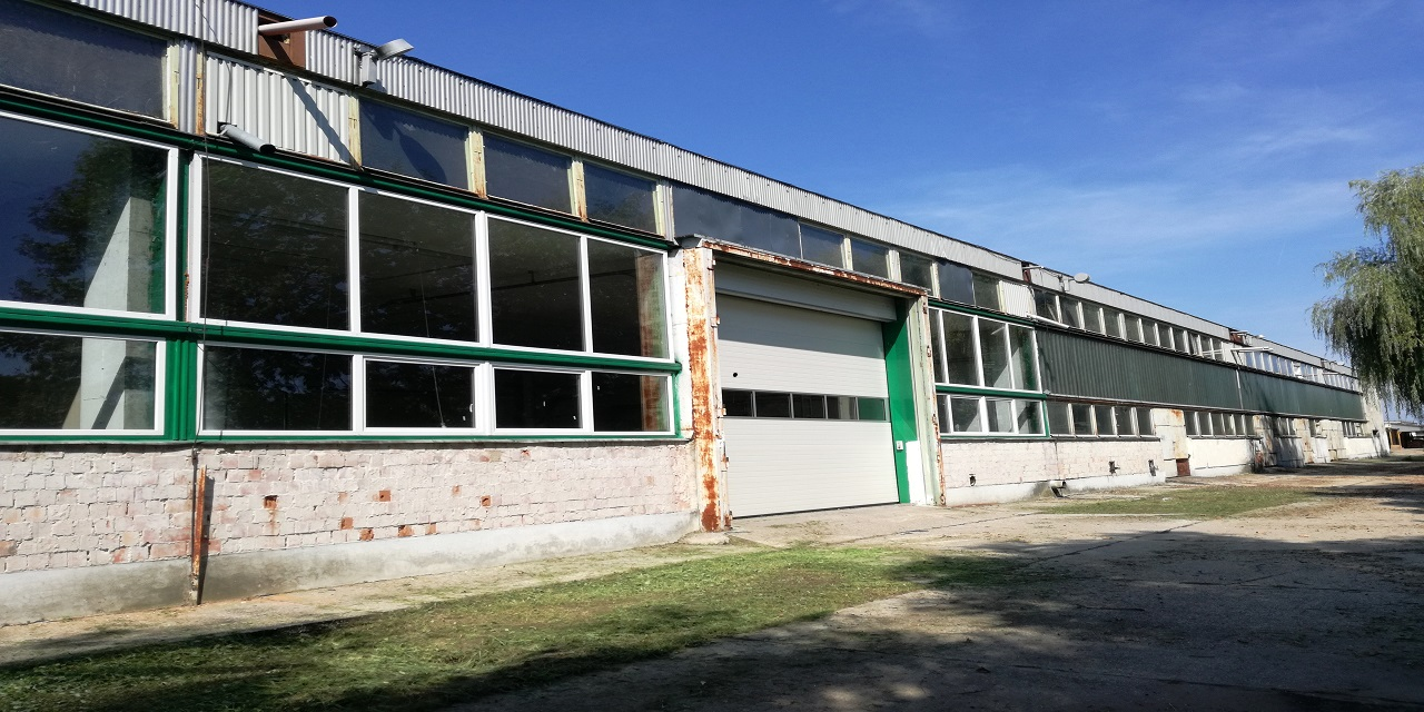 Csátalja, Ipari ingatlan Extrák: Garázs