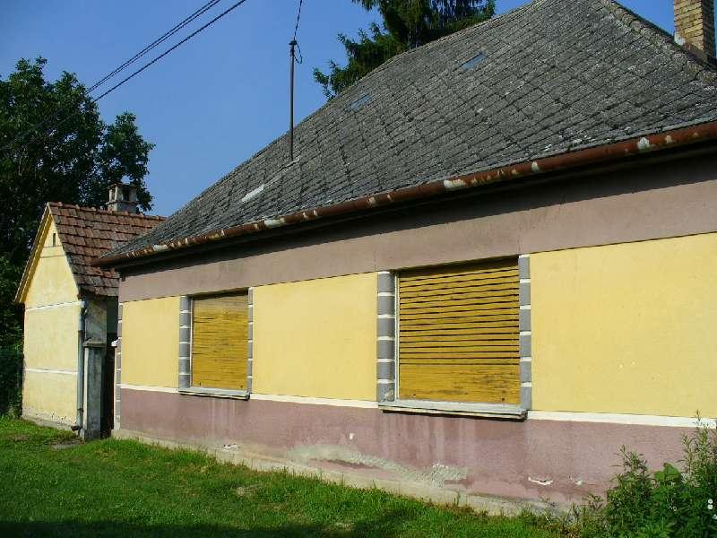 Dunafalva, Családi ház Extrák: Garázs